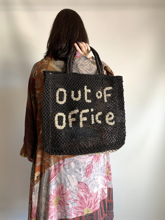 Bolso Out of Office negro y natural grande